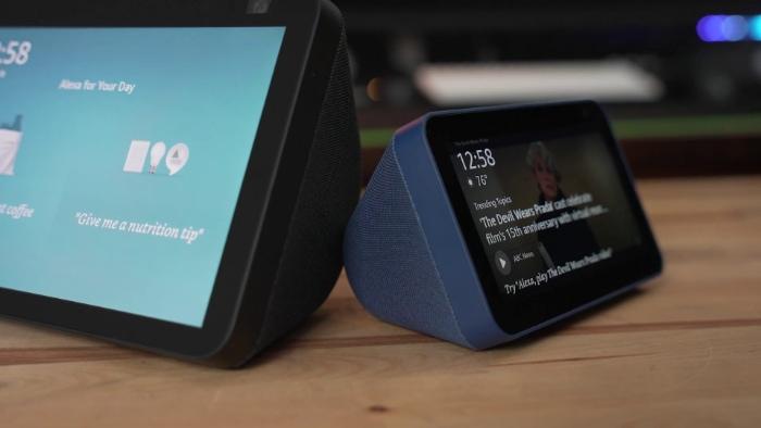 Amazon Echo Show 5 vs. Echo Show 8 close up