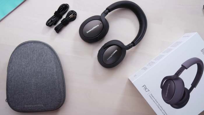Bowers & Wilkins PX7 Unboxing
