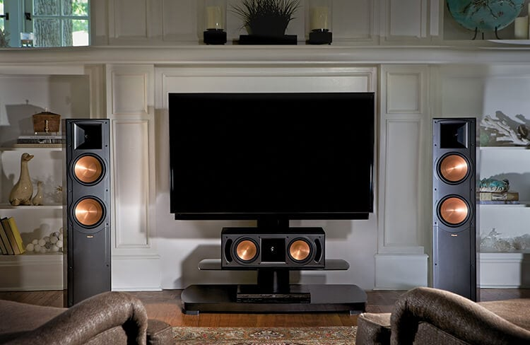 Front of Klipsch RF-82 II with tv