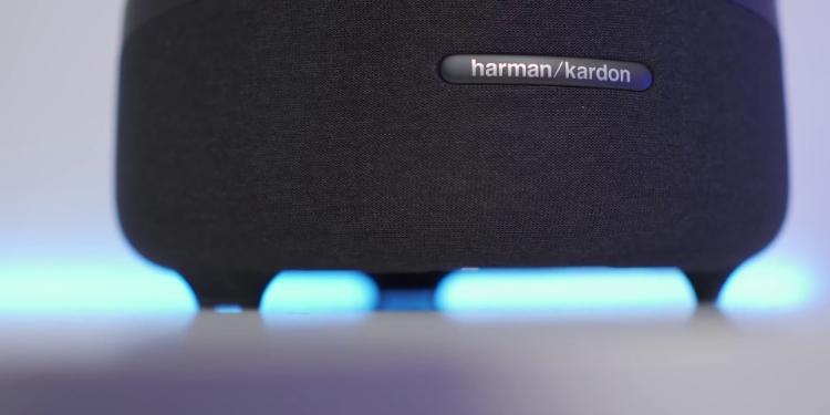 Harman Kardon Aura Studio 3 Close up
