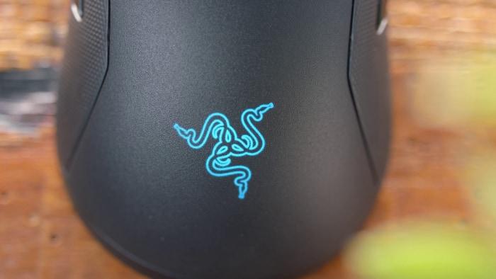 Razer Viper Ultimate Close up