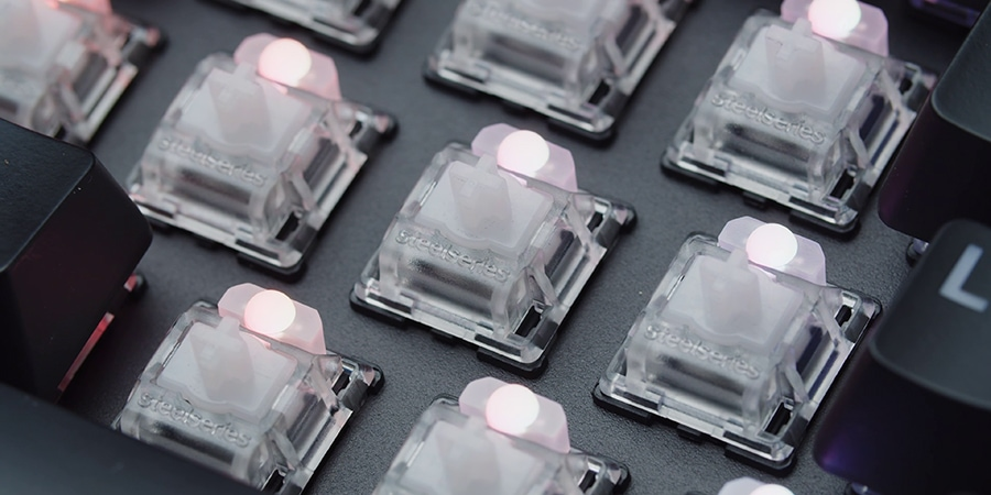 White switches of black Steelseries Apex Pro