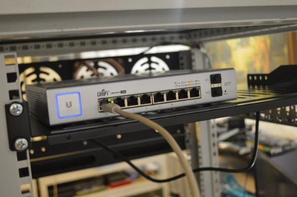 Unifi switch back port